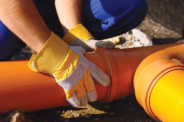 Соединение канализационной трубы